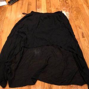 High low light weight black skirt